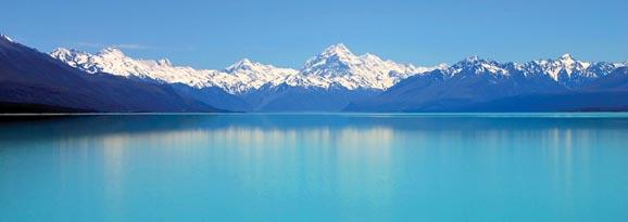 Daytime vista of Mt Cook and Lake Pukaki, New Zealand